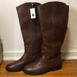 Universal Thread leather boots . 9.5wc